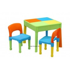 Homokozó, vizező asztal (2 székkel)