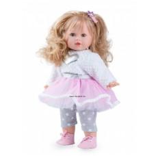 Tina baba divatos ruhában,szőke hajú